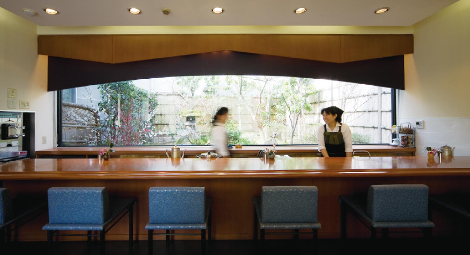 夏だけの期間限定!創業130年の老舗茶舗「角の八女茶」で特濃抹茶のかき氷を食べよう